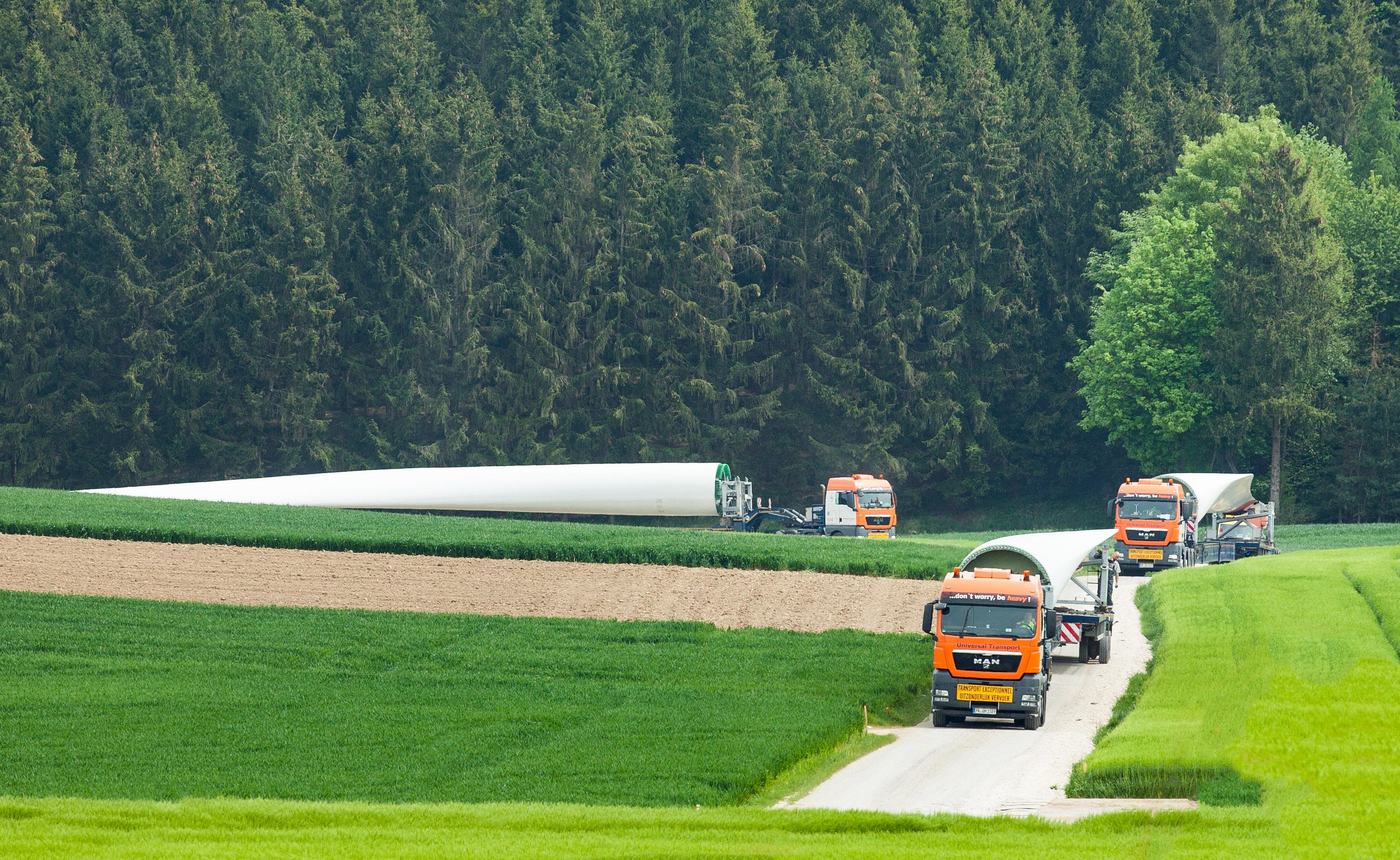 Universal Transport Erneuerbare Energien